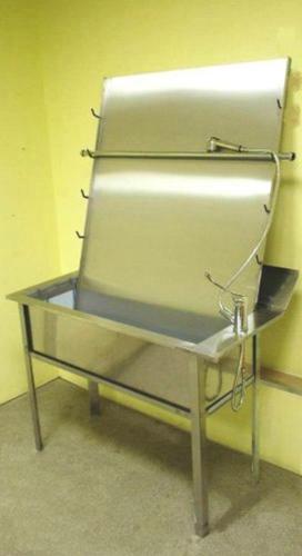 Установка для обмывания коечных клеенок